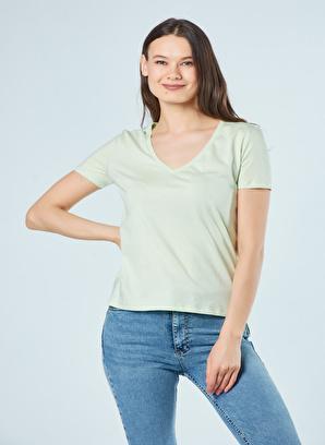 Coral V Yaka Basic T-Shirt Mint Yeşılı